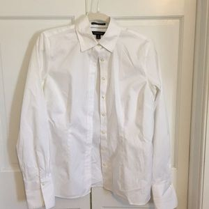 A white collared shirt, with buttons, and no iron